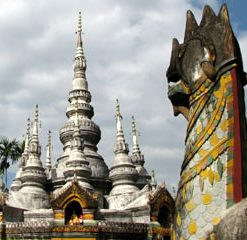 Stupa de Damenglong 大勐龙白塔