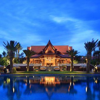 Crowne International Resort 5*